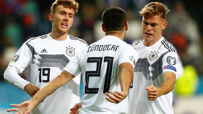 Nemci ne paniče sa igračem manje, Nemci guraju loptu napred: Gundogan spakovao Estonce za šest minuta! (VIDEO)