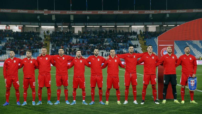 SRBIJA - OCENE: Selektor nešto mora da uradi sa kućom na promaji, Mitrović standardno najbolji